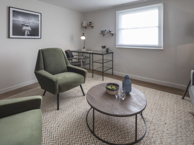 Counselling room for rent that's ideal for small group sessions