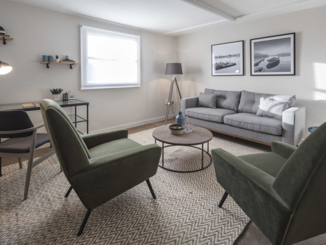 Modern and spacious therapy room for small groups