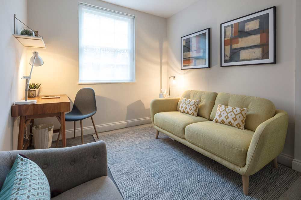 Talking therapy room to rent